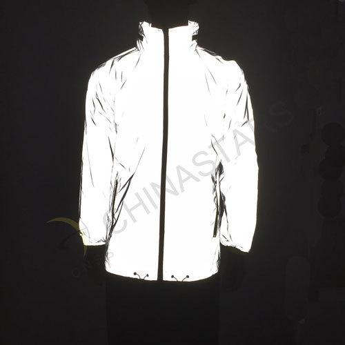 Reflective sports jacket