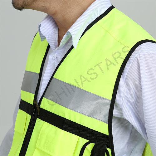 reflective sportswear with multi-pockest