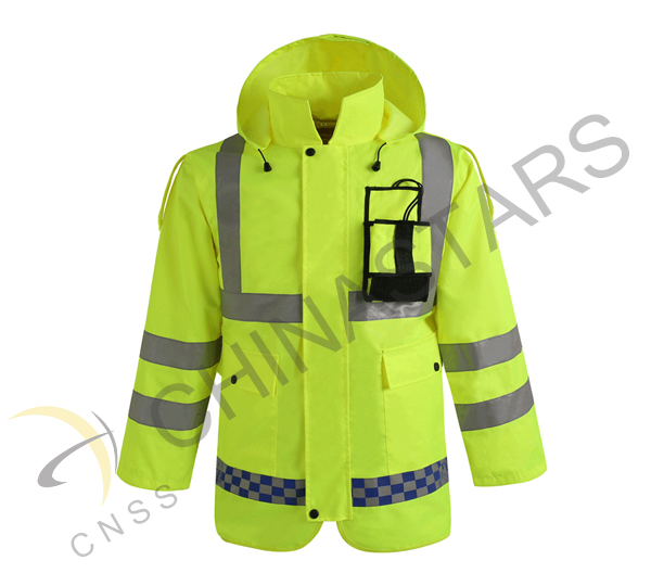 New reflective clothes for traffic police