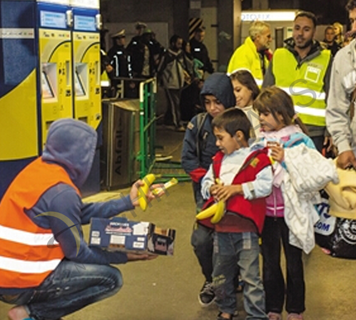 Safety clothing for volunteers and refugee
