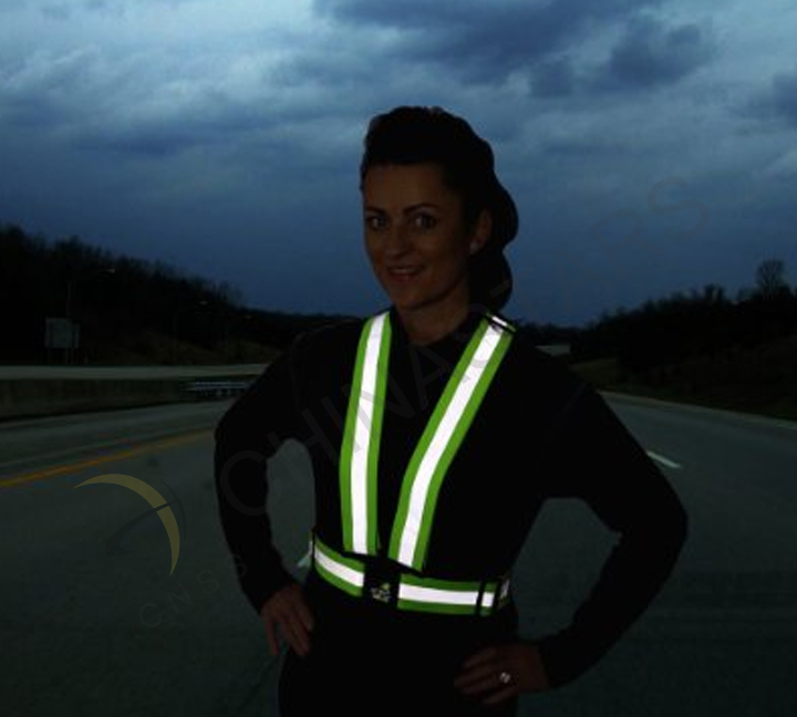 Reflective clothing is the essential goods for riding