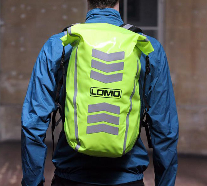 Backpack with reflective material can prevent accidents