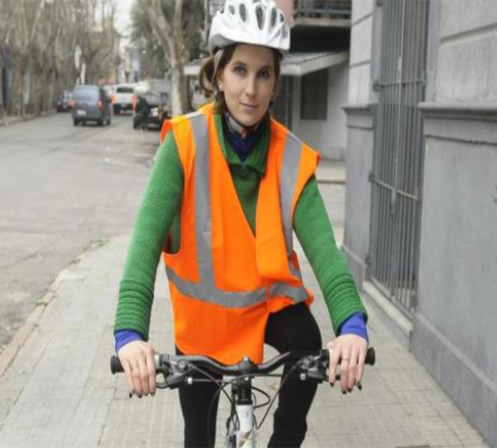 Reflective gloves ensure cycling safety