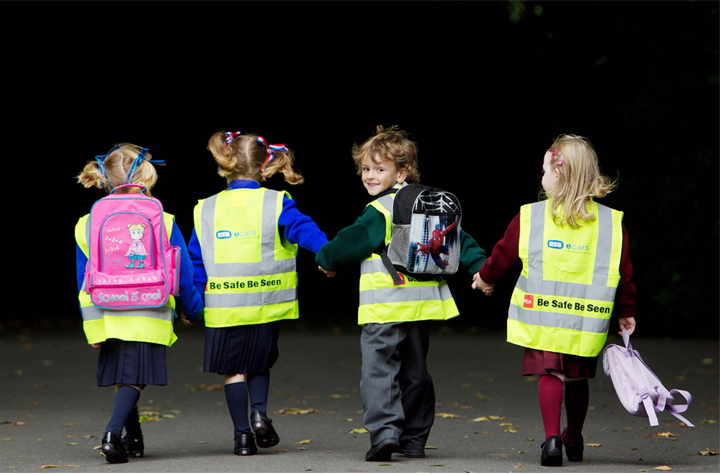10,000 reflective vests will be sent to schoolchildren this year