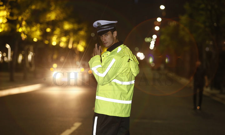 Multi-function reflective clothing for the policeman
