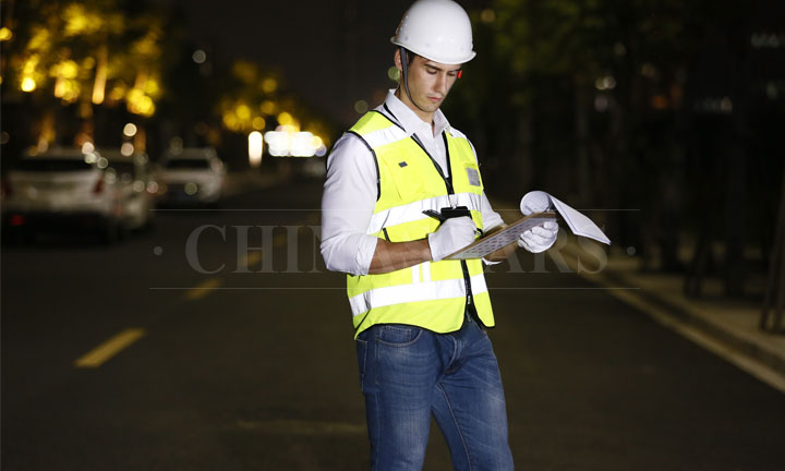 The advantages and functions of reflective vests