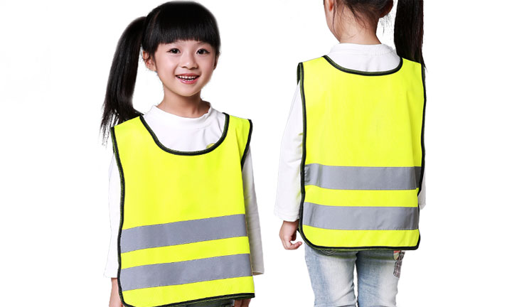 Avoid accidents with safety vests and reflective clothing