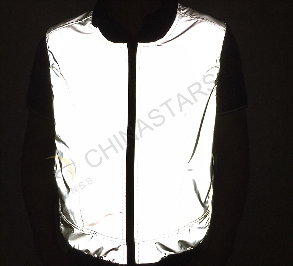 Reflective fabric become new solution to outdoor safety